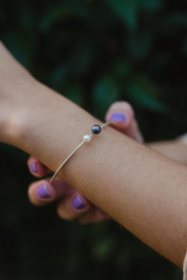Μαργαριτάρι στο χέρι silver bracelet