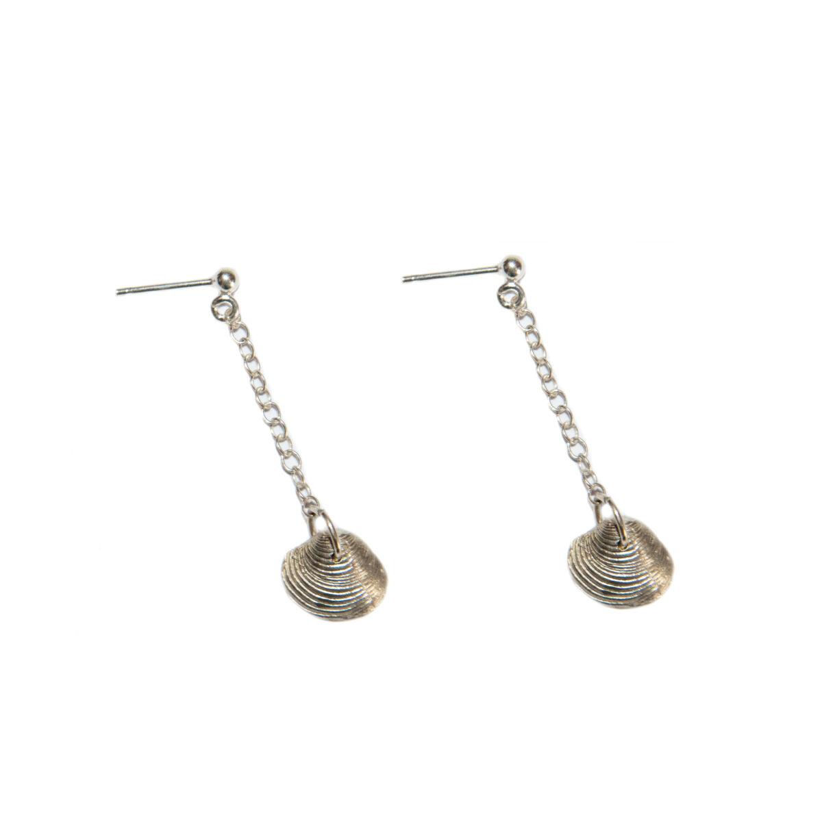 Ocean treasure II silver earrings (clam)