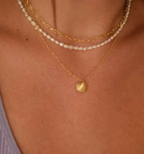 Ariel pearl necklace